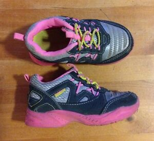 Size 7 girls running shoes