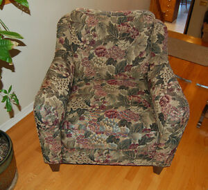 Beautiful livingroom chair- Reduced price