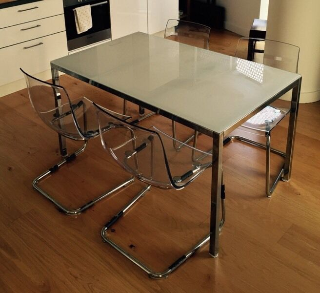 Ikea white glass table and chairs in stratford london gumtree - Glass dining table ikea ...