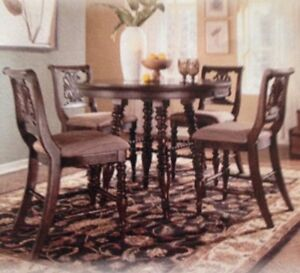 Kitchen/dining room table with 6 chairs