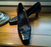 Brown leather Shoes size 8