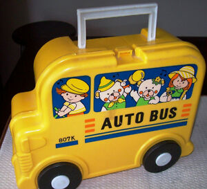 1990's YELLOW SCHOOL BUS AUTOBUS 807K LUNCHBOX & THERMOS Wheels