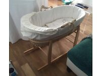 MOSES BASKET WITH ROCKING STAND, MATTRESS, SHEETS,NURSING PILLOW AND REFLUX MATTRESS -ONO-