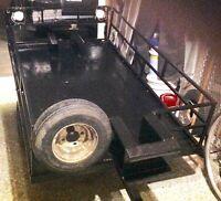 Remorque en acier noir trailer, 6 pieds de long par 44 pouces.