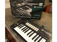 novation Launchkey 25 boxed with manual and hardware