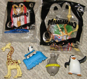 Madagascar 2 Book & 6 Toys (Lot # 6) London Ontario image 3