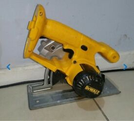 DEWALT 18V CORDLESS CIRCULAR SAW BODY FOR SALE PICK UP MY HOME ADDRESS, £39, NO OFFERS ,THX