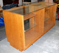 DISPLAY CASE (Show Case) Solid Honey Oak