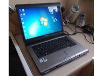 Toshiba L300 Laptop - 15.4 Widescreen - Webcam - Windows 7 - Office 2010 - DVD cd rw