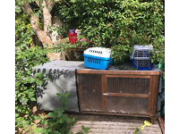 Rabbit hutch with cover and 2 carriers