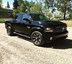 2013 Dodge Ram 1500 Sport CrewCab Fully Loaded