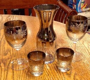 Vintage 1960. OMBRE SILVER DECANTER AND WINE GLASSES/FLORAL Gatineau Ottawa / Gatineau Area image 1