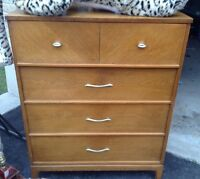 1960's Dixie highboy dresser in great condition