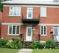 LARGE, BRIGHT 6 ½ in upper duplex in NDG. Available July 1st.