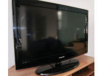 SAMSUNG 32 INCH WIDESCREEN FREE VIEW DIGITAL HD READY LCD TV WITH REMOTE AND STAND **BARGAIN**