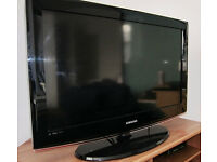 SAMSUNG 32 INCH WIDESCREEN FREE VIEW DIGITAL HD READY LCD TV WITH REMOTE AND STAND **BARGAIN** .