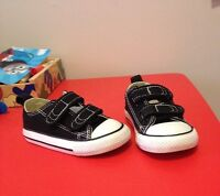 Toddler Converse All Stars Size 6