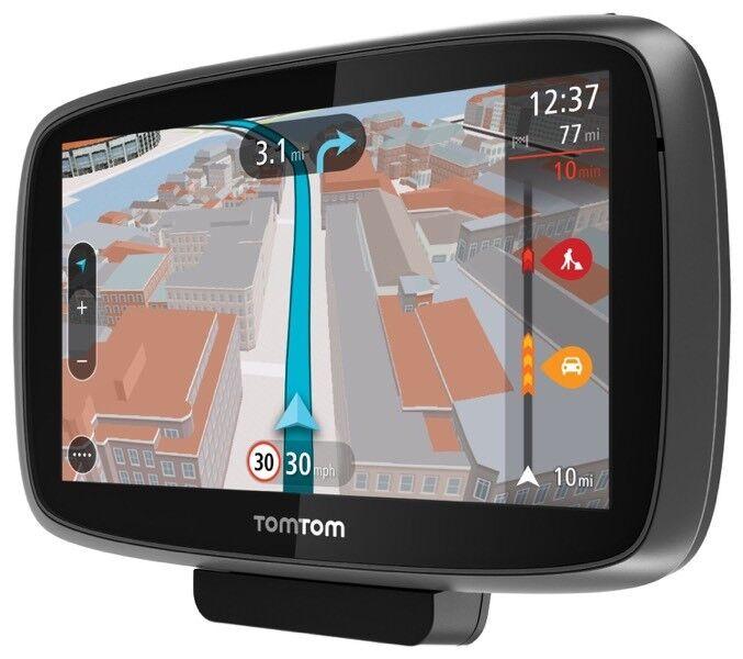 TomTom GO 500 SatNav with latest UK and European maps.
