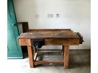 Wooden woodworking workbench, 2 attached vices and 3 extra vice