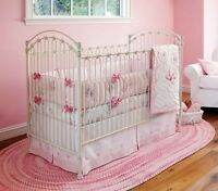 Tapis oval rose Pottery Barn Kids - chambre bébé ou fille