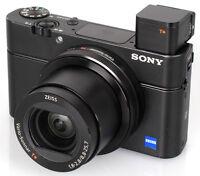 Sony R100 III avec plusieurs accessoires