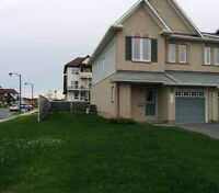 Large 3 bedroom end unit townhome in Avalon neighborhood Orleans