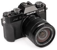 FUJI X-T10 with 16-50 lens and carrying case. MINT!