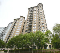 Stunning Rare 2 Bed + Den Corner Unit with Sweeping Views!