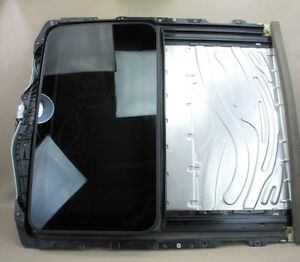 E90 sunroof cassette with glass