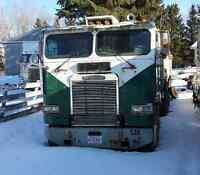 1986 Freightliner & 30 foot Tandem End Dump