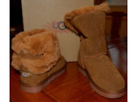 UGG BOOTS (NEW).