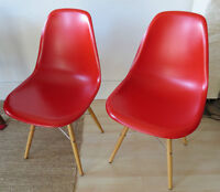 2 Eames Dining Chair replicas, sold as pair