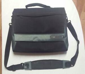 NEW - ne Belkin laptop computer shoulder bag Wattle Park Burnside Area Preview