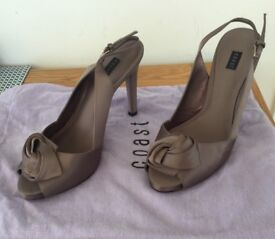 SHOES SIZE 5 (COAST) WITH CLUTCH BAG