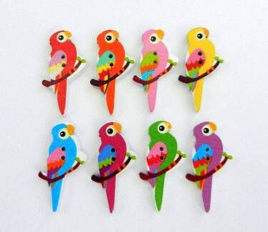 20 MIXED COLOUR 2 HOLE PARROT WOOD BUTTONS. 35 X 20MM. Rothwell Redcliffe Area Preview