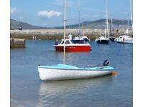 Small Sailing Dinghy and Combi Trailer