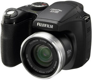 Fujifilm FinePix S700 (Black)
