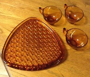 VINTAGE INDIANA GLASS DAISY & BUTTON AMBER SNACK FOR 3 Gatineau Ottawa / Gatineau Area image 6