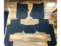 Land Rover Discovery 3 & 4 Genuine Rubber Mat set VGC
