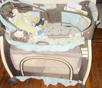 Graco Bassinet and Play Yard