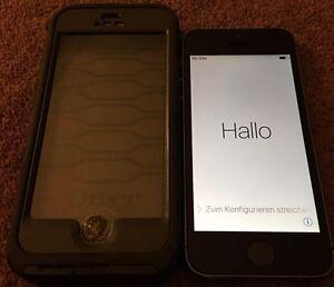 Apple iPhone 5s & Case