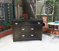 STUNNING QUALITY TV STAND / SIDEBOARD / DRESSER  GORGEOUS REFINI