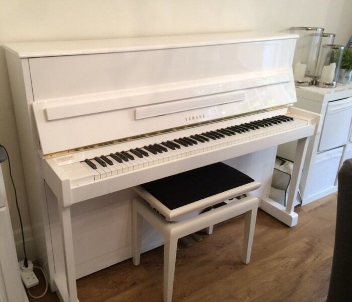 White upright piano yamaha lu 201c surrey in cobham for White yamaha piano