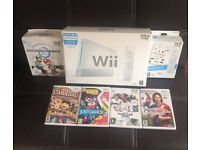*** Nintendo Wii Console Bundle Excellent Condition FULLY BOXED Mario Kart and more games! ***