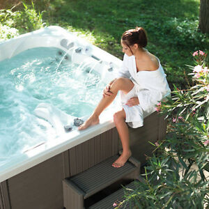 Hot Tub & Swim Spa Warehouse - Grand Opening BLOWOUT! Kitchener / Waterloo Kitchener Area image 1