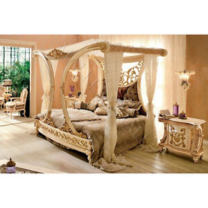 Beautiful royal golden cleopatra canopy bed hand carved for Cleopatra bedroom set