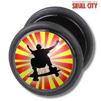 Skater Plug Falso - Piercing Imagen Pendientes De Enchufe - Oldschool Skateboard -  - ebay.es