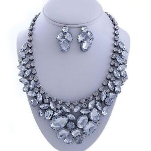 HUGE-CHUNKY-CLEAR-WHITE-RHINESTONE-BRIDAL-RUNWAY-STATEMENT-BIB-NECKLACE-SET
