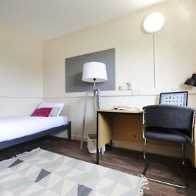STUDENT ROOM TO RENT IN SALFORD. BRONZE AND SILVER ROOMS ARE AVAILABLE