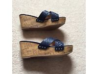 Mantaray Wedge Sandals Size 6